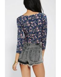 Urban Outfitters - Blue Pins and Needles Printed Buttondown Cropped Top - Lyst