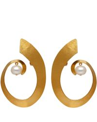 Herve Van Der Straeten - Metallic Goldplated Pearl Swirl Clipon Earrings - Lyst