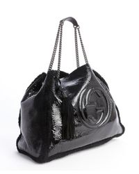 Gucci - Black Patent Leather and Dyed Fur Logo Emblem Chain Strap Shoulder Bag - Lyst