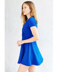 Kimchi Blue - Blue Textured Surplice-front Dress - Lyst