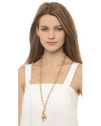 Tory Burch | Metallic Dove Pendant Necklace - Worn Gold | Lyst