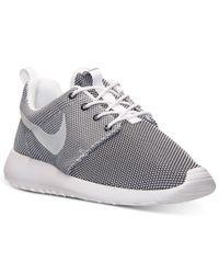 Nike | Gray Men'S Roshe Run Casual Sneakers From Finish Line for Men | Lyst