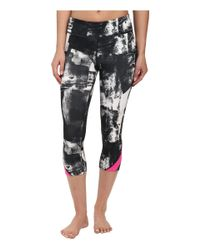 Under Armour - Black Take A Chance Printed Capri - Lyst