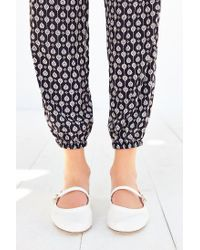 Urban Outfitters | White Holly Flat | Lyst