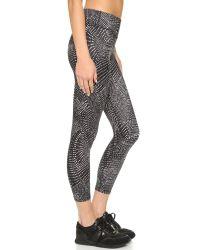 Beyond Yoga - Gray Luxe Print Capri Leggings - Lyst