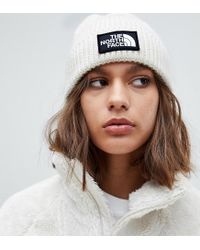 The North Face - White Logo Patch Knitted Beanie - Lyst