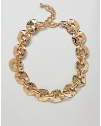 ASOS - Metallic Design Statement Necklace With Hammered Link Chain In Gold - Lyst