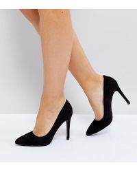 c6359d8d17a2 Truffle Collection Wide Fit Heel Court Shoe in Black - Lyst