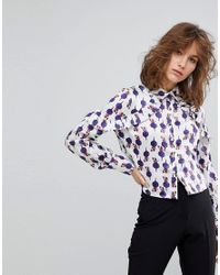 Lost Ink - Multicolor Cropped Blouse With Ruffle Shoulder Detail In Artist Print - Lyst