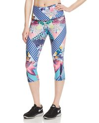 Onzie - Blue Printed Cropped Leggings - Lyst