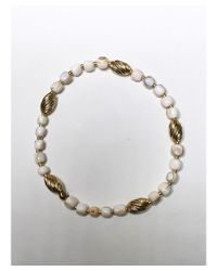Blue Candy Jewelry - White Conch Gold Stretch Bracelet - Lyst
