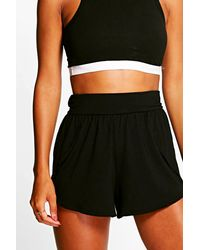 Boohoo - Black Wrap Over Jersey Shorts - Lyst