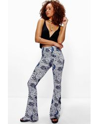 Boohoo | Blue Laci Paisley Print Skinny Flares | Lyst