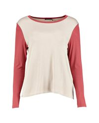 Boohoo - Gray Grace Contrast Sleeve + Neck T-shirt - Lyst