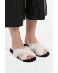 Avec Moderation - White Fox-fur Crossover Sliders - Lyst