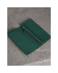 Burberry - Green Grainy Leather Continental Wallet for Men - Lyst