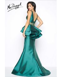 Mac Duggal - Black White Red - V Neck Gown In Emerald Green - Lyst