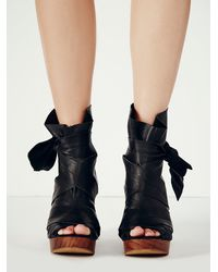 Free People | Black Spire Wrap Clogs | Lyst