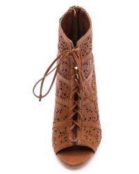 Alice + Olivia - Brown Alice Olivia Gale Laser Cut Lace Up Booties Caramel - Lyst