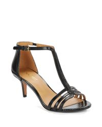 Nine West | Black Gohome Leather T-strap Sandals | Lyst