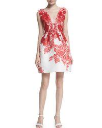 Monique Lhuillier - Red Sleeveless Rose-print Silk Gazar Dress - Lyst