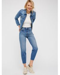 Free People | Blue Pegged Mom Jean | Lyst