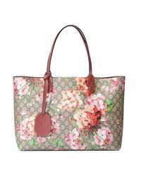 2f30b9d5e245e Lyst - Gucci Reversible Gg Blooms Leather Tote in Pink