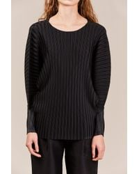Pleats Please Issey Miyake - Black Pleated Oversized Top - Lyst