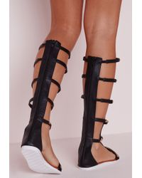 Missguided - Black Gold Trim Knee High Flat Sandals - Lyst