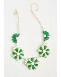 Cara - Green Retro And Columns Necklace - Lyst
