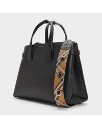 Burberry - The Medium Banner Bag In Black Calfskin - Lyst