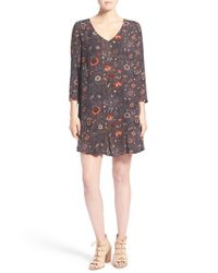 Hinge - Gray Print V-neck Shift Dress - Lyst