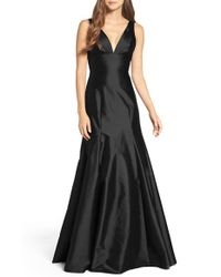 Monique Lhuillier Bridesmaids | Black Deep V-neck Taffeta Trumpet Gown | Lyst