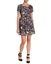Romeo and Juliet Couture - Black Short Sleeve Woven Printed Dress - Lyst