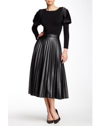 e1486264d0 Gracia Pleated Faux Leather Midi Skirt in Black - Lyst