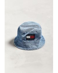 f39b8ee16d91a Tommy Hilfiger Tommy Jeans  90s Sailing Denim Bucket Hat in Blue for ...