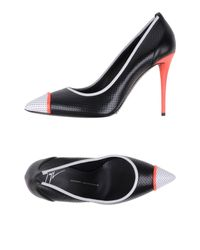 Giuseppe Zanotti - Black Studded Pointy Toe Leather Pump - Lyst