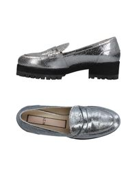N°21 - Metallic Loafer - Lyst