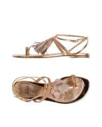 Stuart Weitzman - Metallic Toe Post Sandal - Lyst