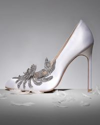 Manolo Blahnik Swan Embellished Satin Pump White - Lyst