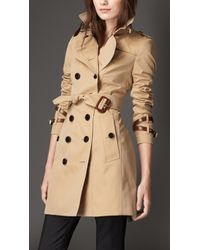 Burberry Leather-Detaiedl Gabardine Trench Coat beige - Lyst