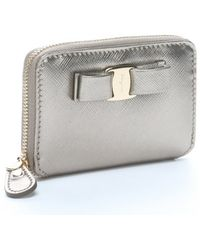 Ferragamo Gold Gloss Leather Bow Detail Card Case - Lyst