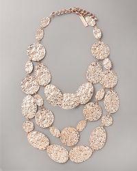Oscar de la Renta Hammered Disc Necklace - Lyst
