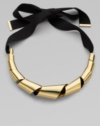Marc By Marc Jacobs Twisted Metal Ribbon Necklace gold - Lyst