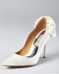 Badgley Mischka Pumps Wysdom Ii Satin - Lyst
