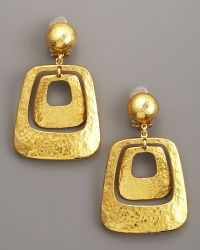 Jose & Maria Barrera Hammered Earrings gold - Lyst