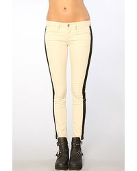 Free People The Cropped Denim Skinny Panelled Pants in Ecru - Lyst