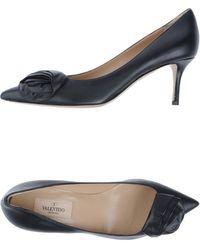 Valentino Rockstud Patent Sandal - Lyst