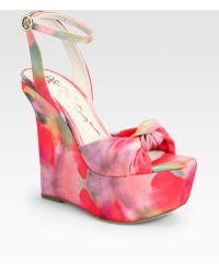 Alice + Olivia Ilise Watercolorprint Fabric Wedge Sandals - Lyst
