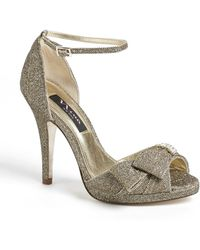 Nina Earleen Pump - Lyst